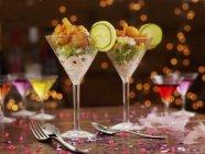 Portions de cocktail aux crevettes — Photo de stock