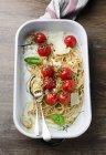 Spaghetti di grano integrale — Foto stock