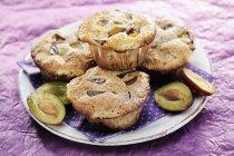 Ameixa e noz Muffins — Fotografia de Stock