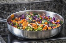 Carrots with red cabbage — Stock Photo