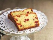 Fette di torta della ciliegia e mandorla — Foto stock