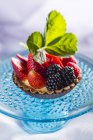 Strawberry and blackberry tartlet — Stock Photo