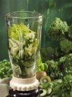 Ингредиенты для зеленых коктейлей — стоковое фото