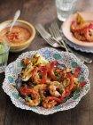 Gambas grillées sauce Romesco brocoli — Photo de stock