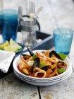 Ratatouille di frutti di mare con basilico — Foto stock