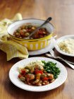 Spagnolo-stile pollo con olive — Foto stock