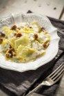 Pasta dei ravioli ai funghi — Foto stock