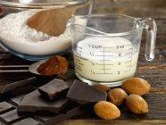 Ingredienti per la crostata di mandorle — Foto stock
