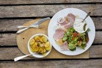 Prato de carne de porco temperada — Fotografia de Stock