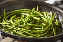 Tiges d'ail frit — Photo de stock