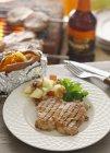Bistecca di maiale alla griglia — Foto stock