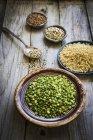 Pois, riz, quinoa et le sarrasin — Photo de stock