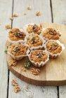 Muffins à la courgette aux noix — Photo de stock