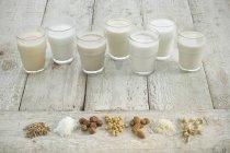 Vários tipos de leites — Fotografia de Stock