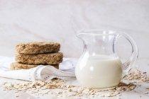 Brocca di latte d'avena — Foto stock