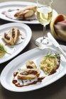 Hähnchenbrust mit couscous — Stockfoto