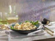 Gnocchi con tartufo grattugiato — Foto stock
