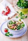 Salat mit Kopfsalat Lämmer — Stockfoto