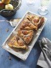 Quattro fette di torta di pere — Foto stock