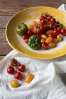 Tomatoes in variety of colors — Stock Photo