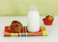Banana and walnut muffin — Stock Photo