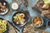 Salada com tiras de Turquia — Fotografia de Stock