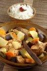 Fleisch mit gekochtem Gemüse — Stockfoto