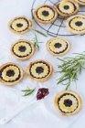 Jam Тарталетки з листя розмарину — стокове фото