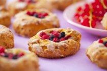 Biscotti con le bacche fresche — Foto stock