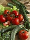 Свіжі помідори і кабачків — стокове фото