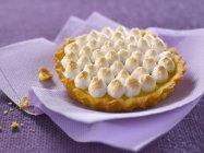 Tartaleta de merengue de limón - foto de stock