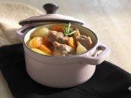 Spezzatino di carne con le carote — Foto stock