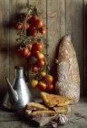 Pagnotte di pane su legno — Foto stock