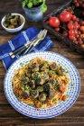 Polpette di melanzane vegan con pasta degli spaghetti — Foto stock
