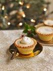 Глубокая заполнены пироги — стоковое фото