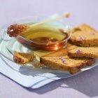 Tè e miele pane — Foto stock