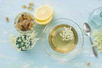 Elderflower tea in a cup — Stock Photo