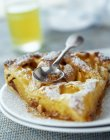 Morceau de tarte nectarine — Photo de stock