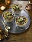 Termine und Pistazien dessert — Stockfoto