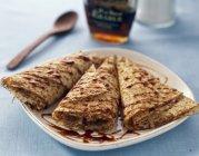 Pancakes con sciroppo d'acero — Foto stock