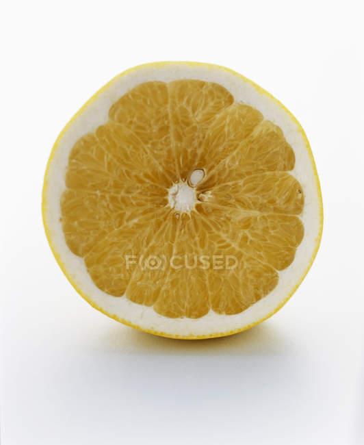 Gustosa metà arancione — Foto stock