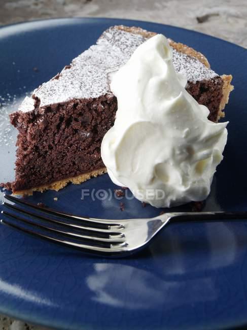 Trozo de tarta de chocolate - foto de stock
