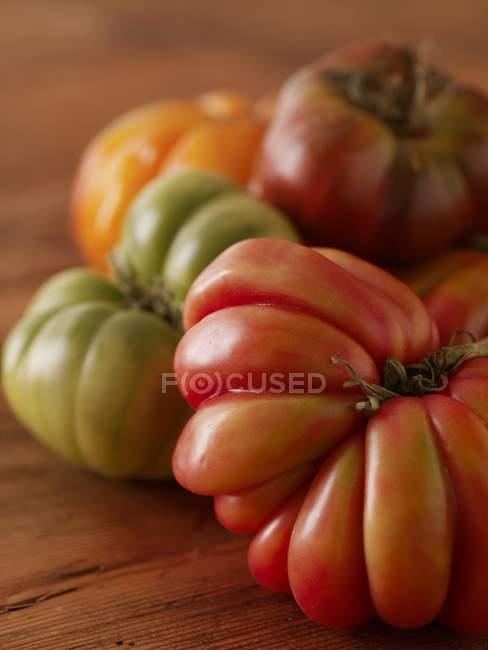 Различные Хеерлум помидоры — стоковое фото
