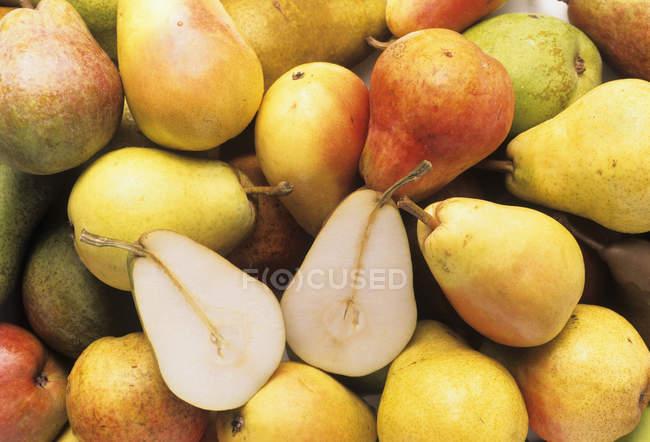 Peras maduras amarelas — Fotografia de Stock