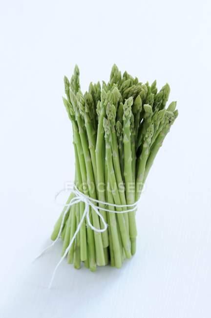 Conseils de faisceaux d'asperges — Photo de stock