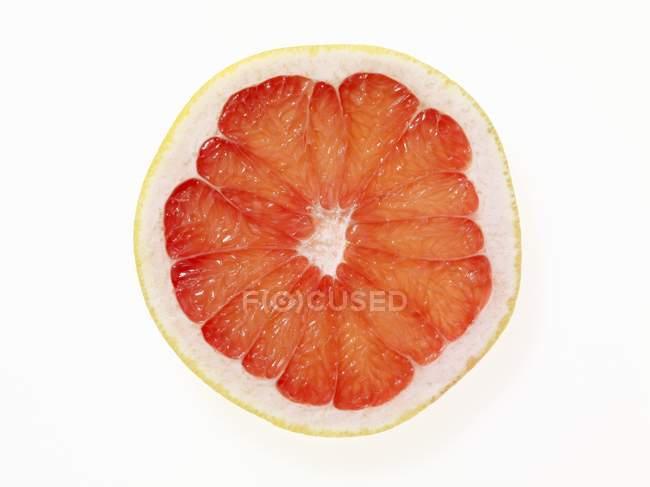 Полурозовый грейпфрут — стоковое фото