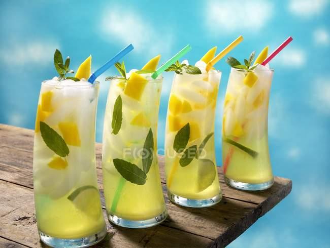 Vier Mango Lime Mojitos — Stockfoto