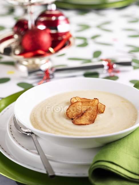 Суп из цветной капусты — стоковое фото
