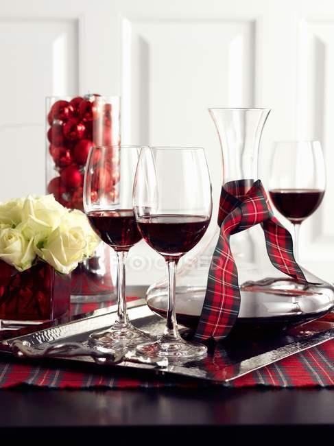 Red wine in glasses — Stock Photo