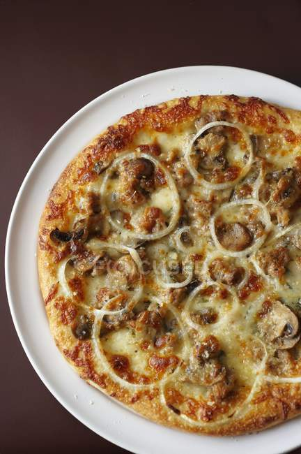 Pizza with Sausage, Mushroom and Onion — Stock Photo